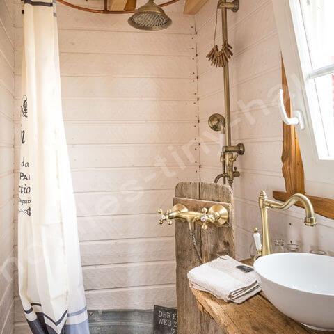 Tiny House France bathroom