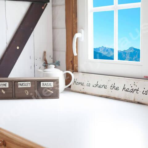Tiny House France kitchen area