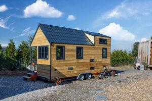 Trailer Home aus Holz auf dem Stellplatz
